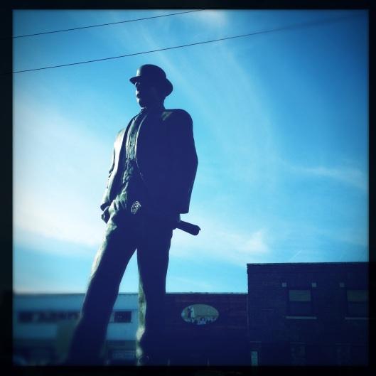 strang statue